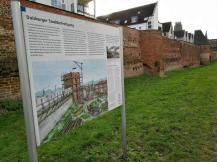 Reste der historischen Stadtmauer im Innenhafen