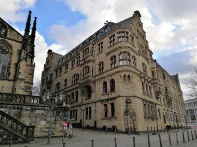 Rückseite des historischen Rathauses am Alter Markt