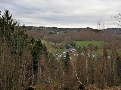 Blick von den Wupperhöhen hinunter nach Friedrichstal