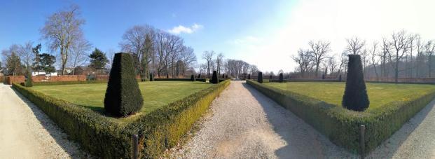 Park von Schloss Miel
