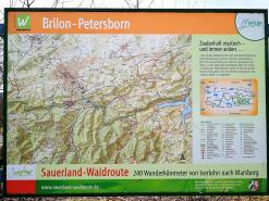Wanderkarte im Ort Petersborn