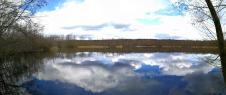 Panoramabild von einem der Kesseler Seen