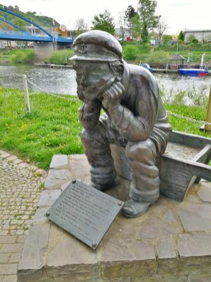 Der Baareschesser, Skulptur nahe der Lahnmündung