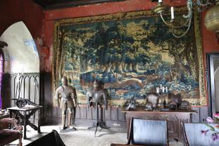 Der Rittersaaal mit einem echten Gobelin (Foto Mag4music | http://commons.wikimedia.org | Lizenz: CC BY-SA 3.0 DE)