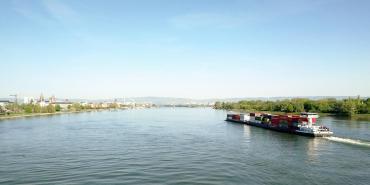 Blick von der Südbrücke auf den Rhein