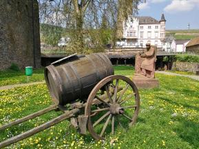 Öffentliche Parkanlage zwiwshen Brömserburg und Boosenburg