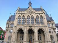 Das historische Rathaus am Fischmarkt
