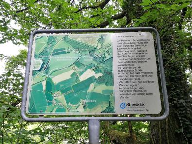Hinweisschild am neuen Steinbruch Silberberg