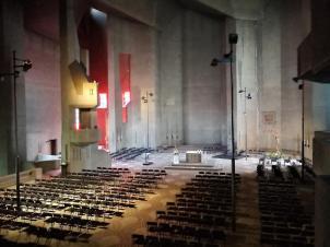 Großer Innenraum der Kirche