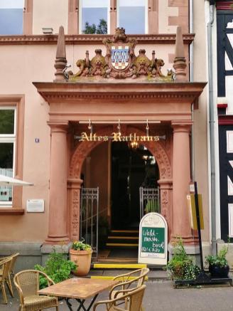 Portal des Alten Rathaus am Markt