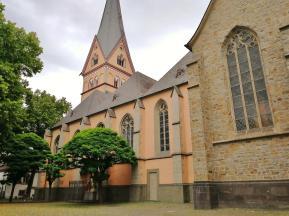 Die Kirche St. Johann Baptis, Seitentansicht