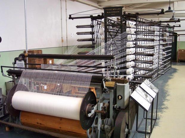 Zettelmaschine (Foto Stahlkocher| http://commons.wikimedia.org | Lizenz: Creative Commons Attribution-Share Alike 3.0 Unported)