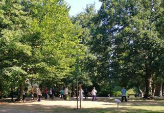 Morgendliches Tai-Chi im Park an der Burg Lüdinghausen