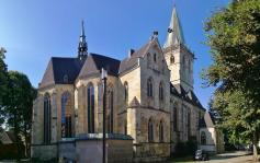 Panoramaaufnahme von der Nordostseite der Kirche