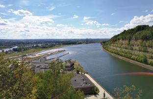 Blick auf die Abzweigung des Albertakanals von der Maas