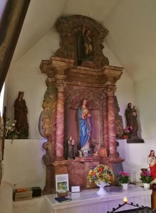 Marienskulpturen in der Kapelle