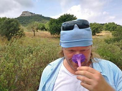 Ist aber eine fleichfressende Pflanze, die geich nach meiner Nase schnappt ;-)