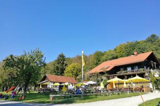 Gasthof auf der Schatzbergalm