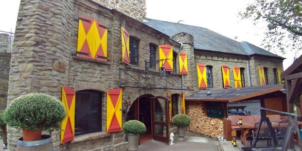 Gastronomie im Innenhof der Burg