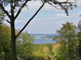 Blick vom Hörndlweg oberhalb von Herrsching hinunter auf dem Ammersee