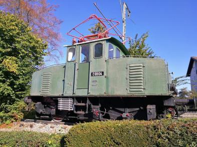Ausrangierte Lok am Bahnhof von Murnau