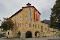 Das anlässlich der Zusammenlegung der Gemeinden Garmisch und Partenkirchen im Jahr 1935 errichtete Rathaus im Ortsteil Partenkirchen