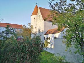 Im Schlossgraben wachsen heute Obstbäume