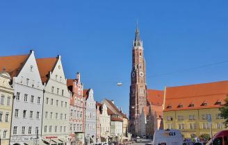 Die Basilika St. Martin überrragt die Innenstadt von Landshut
