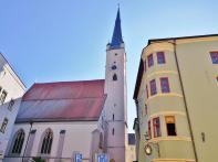 Rückseite der Frauenkirche am Kirchplatz