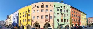 Panoramaaufnahme von der Häuserzeile am Kirchplatz