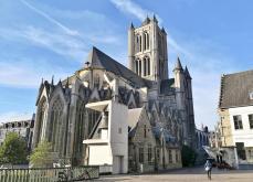 Sint Niklaskerk mit der Roland-Glocke