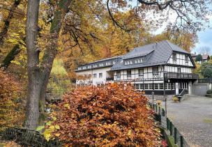 Haus Forsbach am Ostrand des Waldes
