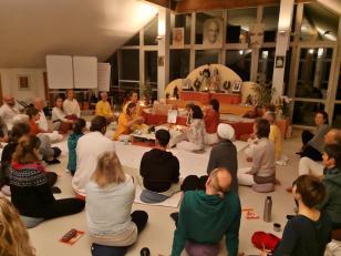 Puja-Zeremonie am letzten Abend