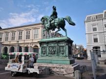 Reiterstatue von Prinz Willem dem Ersten vor dem Palais Noordeinde