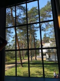 Und immer wieder große Fensterflächen