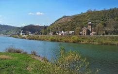 Auf der anderen Moselseite: Kobern-Gondorf