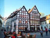 Hoistorische Fachwerkhäuser am Zugang zur Krämerbrücke
