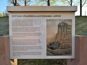 Infotafel vor dem Denkmal