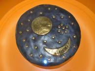 Replik der Himmelsscheibe im Museum Arche Nebra