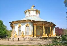 Das Chinesische Haus, von Friedrich dem Großen zur Ausschmückung seines Zier- und Nutzgartens errichtet