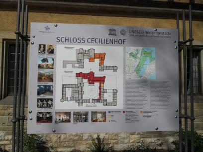 Infotafel am Schloss Cecilienhof