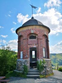 Der Collis-Turm oberhalb