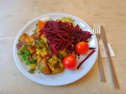 Bei Yoga Vidya gibt es immer leckeres und nahrhaftes veganes Essen