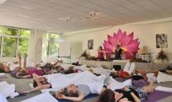 Mantra Yogastunde mit Jasmin Iranpour und Kai Treude