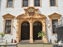 Eingangsportal im Innenhof des Schlosses