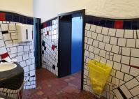 Toilette im Hundertwasserbahnhof