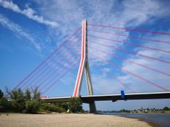 Wir nähern uns der großen Fleher-Rheinbrücke