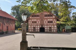 Am historischen Gestütshof St. Johann