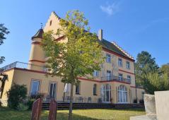 Das ehemalige Schloss Windegg in Niederzell, heute ein Hotel