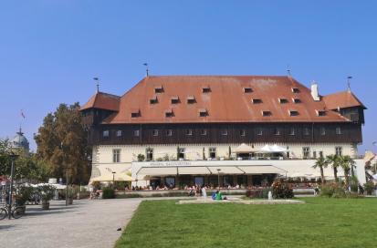 Das Konzilsgebäude am Hafen